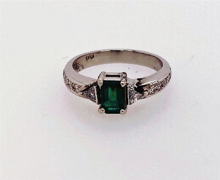 PLAT diamond and emerald ring  Emerald cut 0.53CT  Diamonds triangle and round cut 0.37 CT  size 5.75