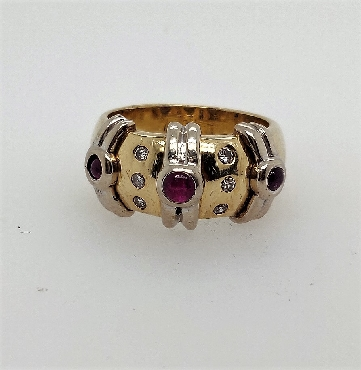 14k two tone gold ring with ruby cabachon and diamond accents size 7.25