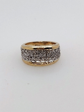 14k yellow gold pave diamond band. Approx 0.90ctw dia I1-I2/J. Size 3 3/4.
