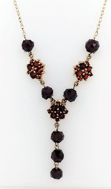 14k gold and garnet necklace 16   long with c clasp