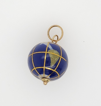 14K Yellow Gold Globe Pendant
