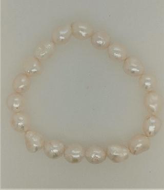9mm white pearl stretch bracelet.