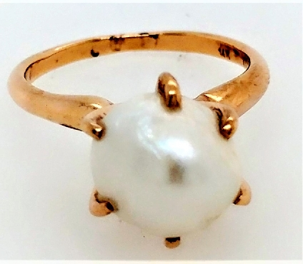 14K yg natural pearl solitaire ring. Size 5