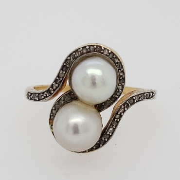 18K Yellow Gold Bypass Style Pearl Ring with Diamond Accents Size 6