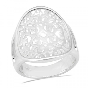 Southern Gates sterling silver circle ring. Size 6. Call for size options.  R1376