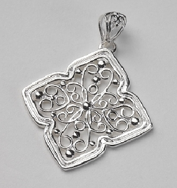 Southern Gates Sterling Silver pendant. 1-1/2   high  including bale x 1-1/8   wide (approx.) P212