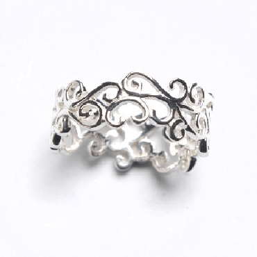 Sterling silver Courtyard Scroll Ring from the Southern Gates® Courtyard Series. Size 8. R155/8