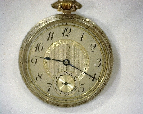 Howard Open Faced Silver Toned Pocketwatch with Keystone Case and Decorative Edges 17J SN: 28129 C. 1857-1861