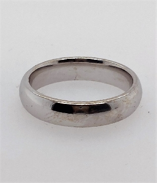 14k white gold comfort fit band. 4.2mm. Size 5 3/4.