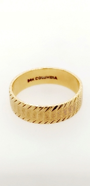 14K Yellow Gold Band with Etched Edges Size 9.5