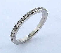 Platinum band -set with ideal round brilliant cut diamonds by Hearts On Fire; 0.43 carat total weight; VS-SI; G/H