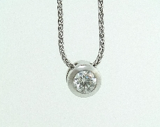 14 KW bezel set pendant and 18KW chain set with: - 0.264 carat G; SI1 HOF94291
