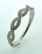 18KW diamond band matching R3059 by Parade Designs set with: - 43 round brilliant cut diamonds; 0.31 cttw; G/H; SI
