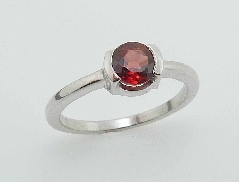 14K white gold ring 5mm round Garnet