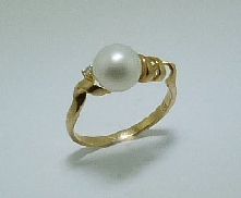 Pearl ring 14KY 0.02 ct