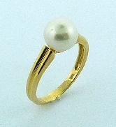 Ladies pearl ring 14KY