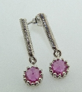 14 KW Ladies earrings by Studio Tzela set with: - 2 rose cut pink sapphires = 1.06 cttw