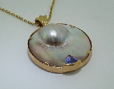 14K Yellow .59ct Tanzanite Blister pearl Pendant