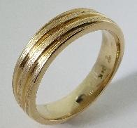 14K ridged  brushed gold band  size 9  6mm