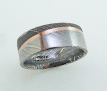 Damascus steel Mens Lashbrook ring with 14KR angled stripe and acid/polish finish; sz 9.5