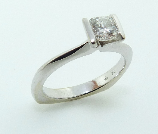 19K white gold engagement ring; - set with an ideal Dream cut diamond by Hearts On Fire; 0.537ct G; SI1 (DRM10305) -  -