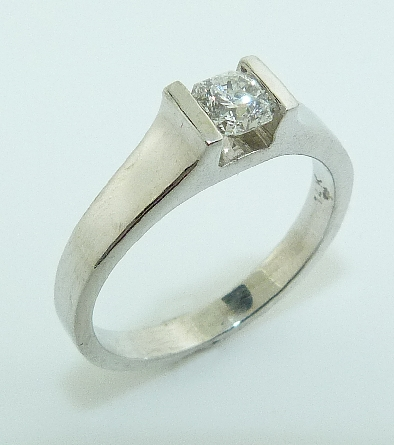14K white gold engagement ring; set with an ideal Dream cut diamond by Hearts On Fire; 0.358ct E; SI1 (DRM6300)